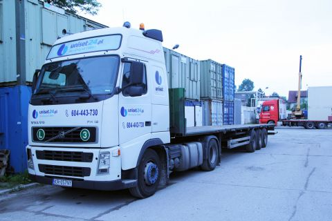 Transport kontenerów i obiektów modułowych